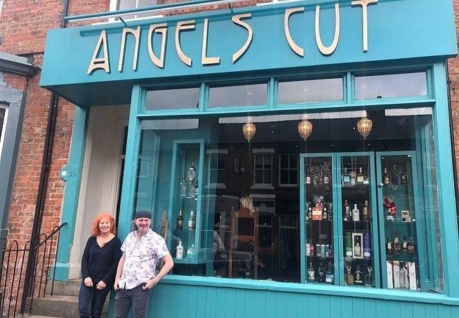 les & Kendra Fry (Angels Cut)